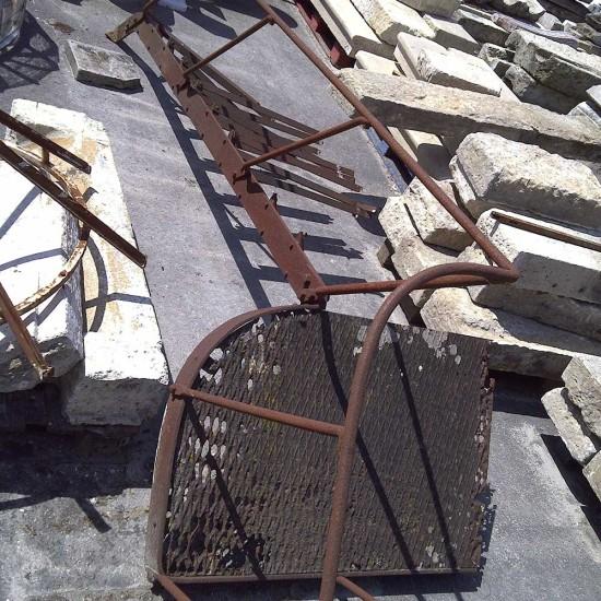 coursive-escalier-metal-01