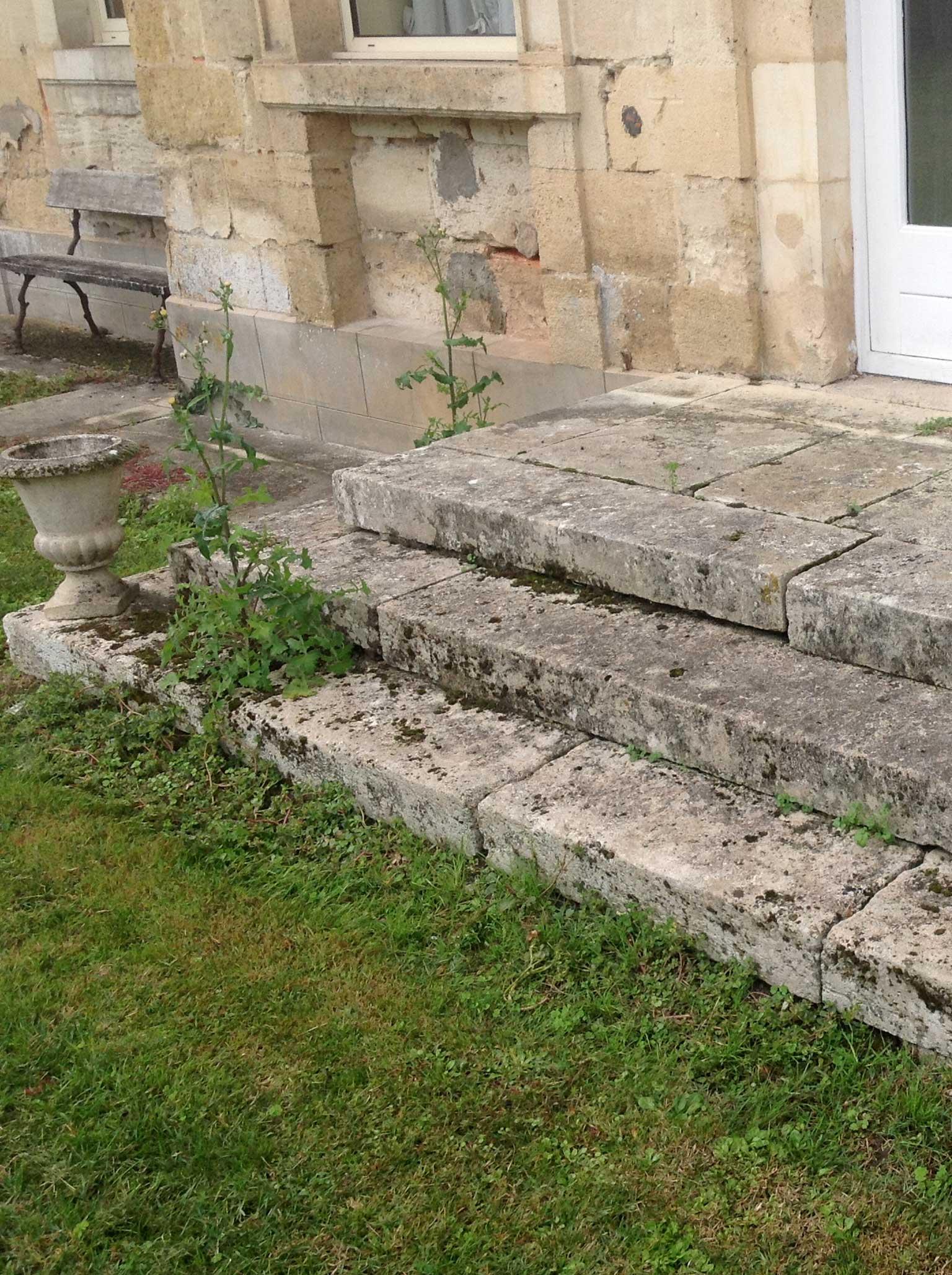 escalier brocante pierre